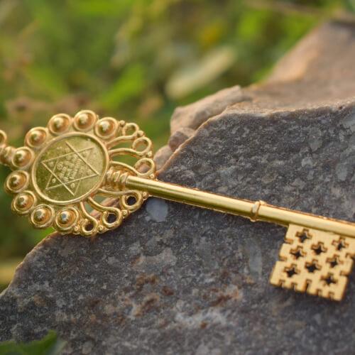Buy Ashta Lakshmi Kavach + Coin + Kuber Kunji + Crystal Kachua Online