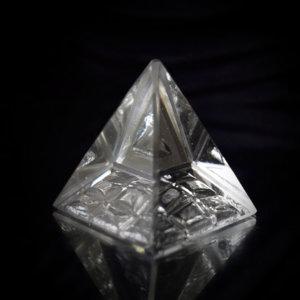 Feng Shui Vastu Crystal Navgrah Pyramid Online