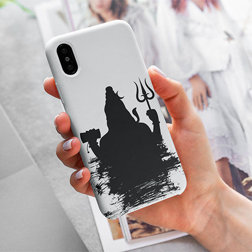mockup-of-a-woman-holding-a-phone-case-for-iphone-4615-el1 (9) copy