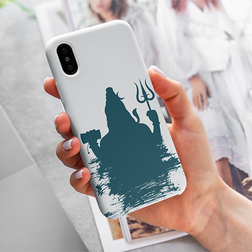 mockup-of-a-woman-holding-a-phone-case-for-iphone-4615-el1 (8) copy