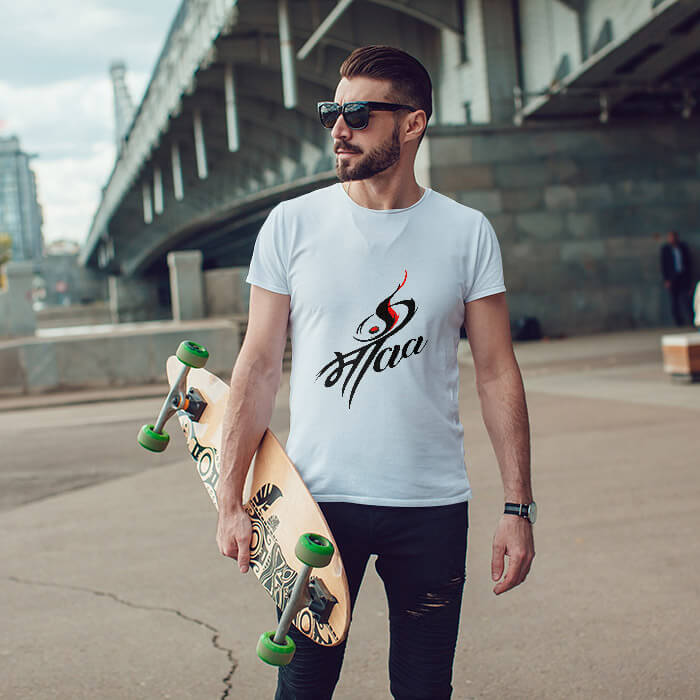 Maa freehand drawing printed round neck t-shirt